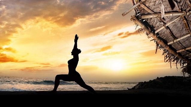 yoga-beach-sun